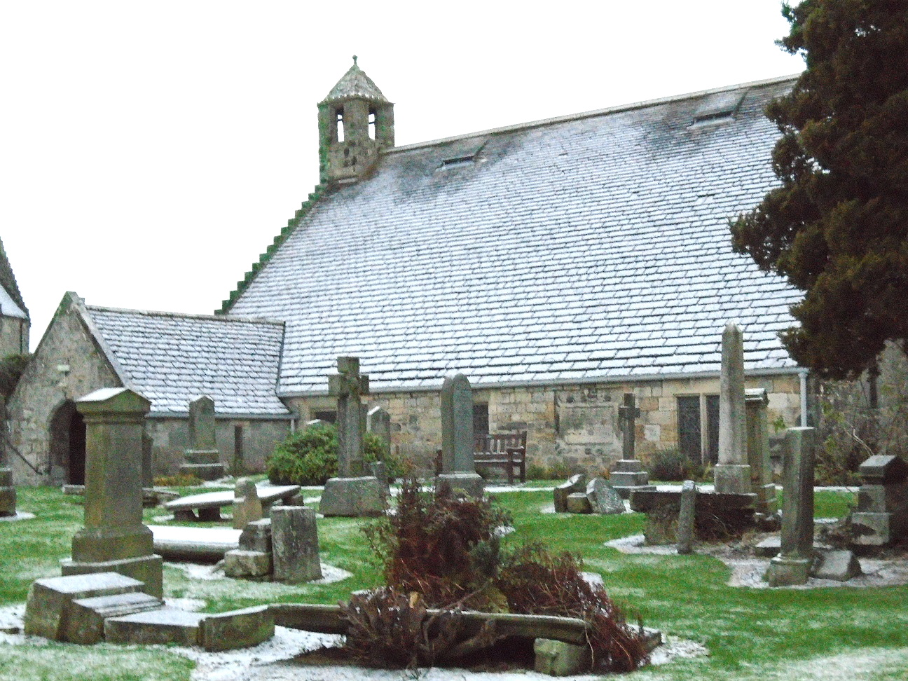 Photo David G - St. Fillan's in snow from SE